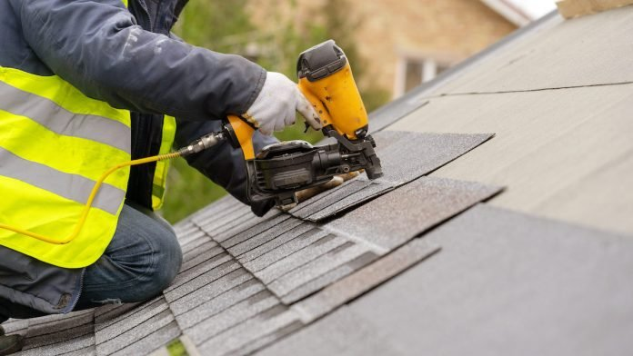 Why Do You Need to Hire an Expert Professional Roofer ...